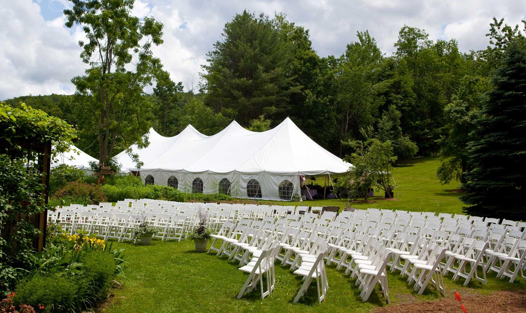 Benefits of hiring party rentals